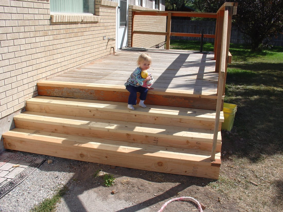 Image gallery outdoor deck steps for Steps to building a new home